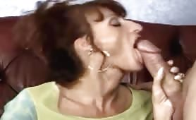 Hot   cougar mons sucking dick